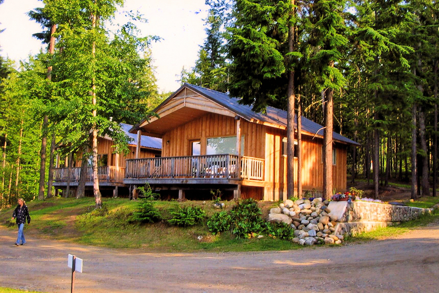 Deluxe Large Cabins